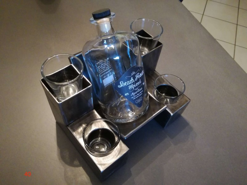 Galerie photos porte bouteille alcool lh metal d co - Porte bouteille alcool ...